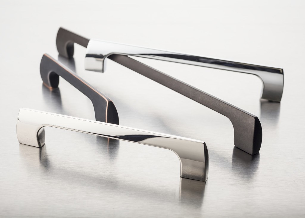 Going for a more contemporary look? The Mercer Holland handles are perfect.