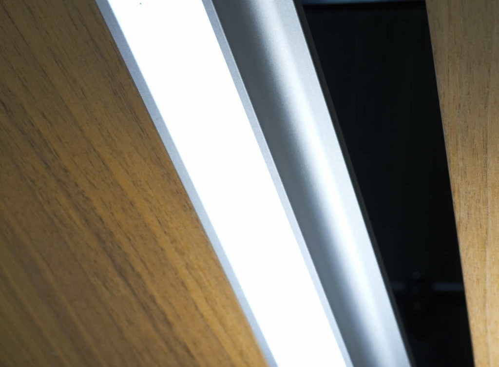 Aluminum handle strips with LED lighting